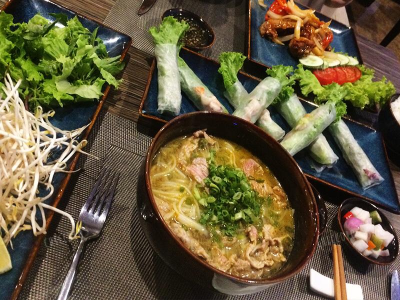アバターダナンホテル(Avatar Danang Hotel)のレストランの食事