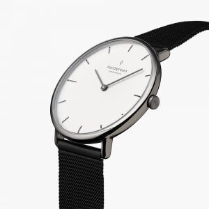 Nordgreenのメンズ時計native(ネイティブ)シルバー×黒色ストラップ